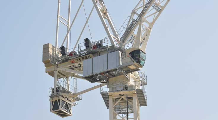 Deutlicher Programmausbau bei den Terex-Turmdrehkranen nach oben: der neue CTL 1600 mit Wippausleger. Foto: Terex