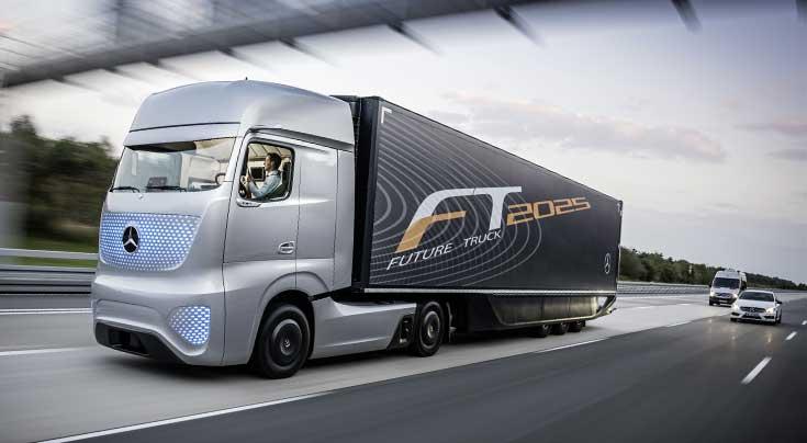 Der Daimler Future Truck 2025 sorgte auf der IAA f�r Furore. Foto: Daimler