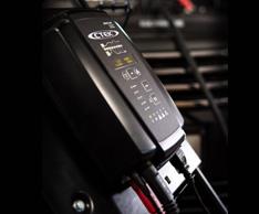 Foto1Ladeger�t: Spannungserhaltene Ma�nahmen: Das CTEK MXTS 40 gibt es im gut sortierten Teilegro�handel. Foto: CTEK