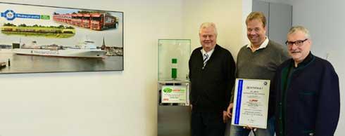 Freuen sich �ber die erneute Management-Zertifizierung (v. l.): Eckhard und Kai-J�rg Bode, Helmut Keuerleber.