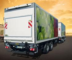 Ferngesteuerte Kraftpakete: Die Ladebordw�nde von MBB Palfinger f�r die hohen Anforderungen im K�hlverkehr. Foto: MBB Palfinger