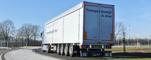 Rechtskonforme Lastverteilung: Die vierte Achse soll unter anderem Bu�gelder wegen der �berladung einzelner Achsen vermeiden. Foto: Knapen Trailers