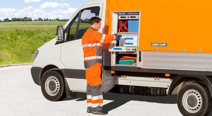 Integration von Transportboxen in Planenaufbauten: Auch dieses Konzept hat LogicLine erfolgreich umgesetzt. Foto: LogicLine