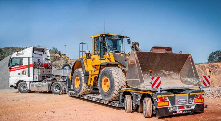 Der MAX510 ist insbesondere für den Einsatz im unebenen Gelände konzipiert worden. Fotos: Faymonville